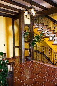 about Hostal El Cerro info