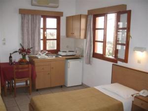 Room photo 3 from hotel Chrysa Studios